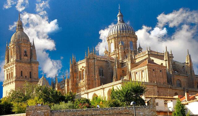 File:RealWorld Salamanca Cathedral.jpg