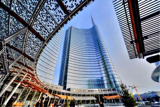 File:RealWorld Piazza Gae Aulenti.jpg