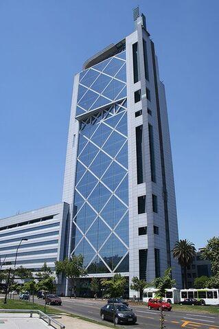 File:RealWorld Torre Telefónica Chile.jpg