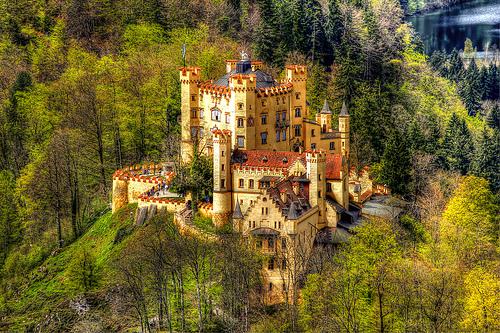 File:Schloss Hohenschwangau.jpg
