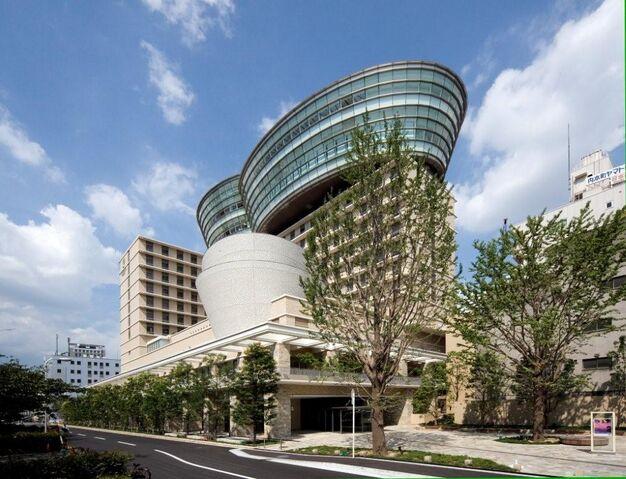 File:RealWorld City Plaza Osaka.jpg