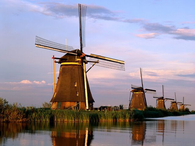 File:Kinderdijk.jpg