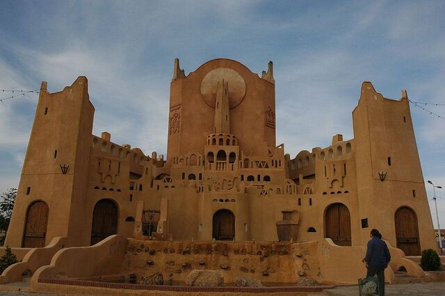 File:RealWorld Mzab Ghardaia Castle.jpg