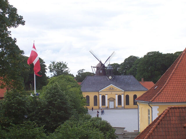 File:Kastellet - church and windmill.jpg
