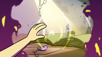S2E28 Star Butterfly touching the All-Seeing Eye
