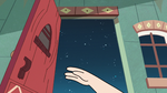 S2E21 Star Butterfly opening the Diaz Household door