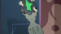 S2E41 Toffee's flesh regenerating over the wand