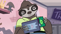 S2E18 Sloth employee swipes Marco's gift card