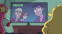 S2E24 Fiesta De La Noche paused on TV screen