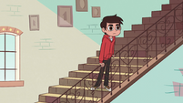 S2E11 Marco Diaz looking at the clock