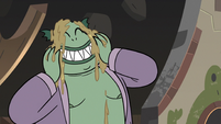 S3E5 Buff Frog rubbing mud on his face