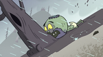 S2E2 Ludo's beak stuck in a tree trunk