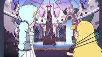 S3E1 Star and Queen Moon entering the Sanctuary