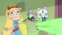 S2E30 Star Butterfly casts more green magic