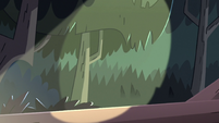 S3E5 Flashlight shines over Star and Moon's hiding spot