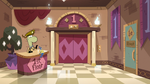 S2E25 Sean and Glossaryck look at stairwell door