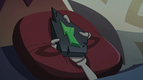 S2E35 Close-up on Ludo's magic wand in bed