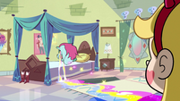 S2E33 Pony Head crying near Star Butterfly's bed