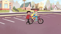 S2E5 Marco pushes Star on the bike