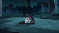 S3E5 Star Butterfly emerges from other end of tunnel