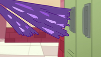 S1E11 Star's hand transforms into purple slime