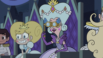 S2E40 Queen Butterfly pleased by Star's ballad