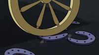 S3E1 Carriage rolls over warnicorn horseshoes