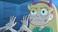 S2E41 Star takes Moon's hands off her shoulders