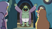 S3E5 Buff Frog happy to see Star Butterfly