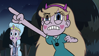 S3E5 Star Butterfly pointing at rat scouts