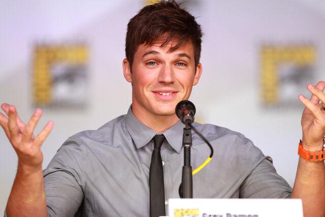 File:Matt Lanter at Comic-Con 2013.jpg