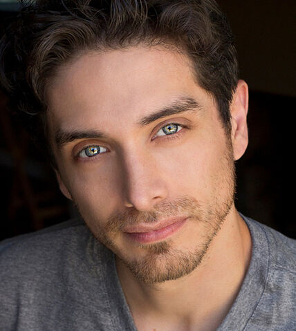 File:JoshKeaton Real1.jpg