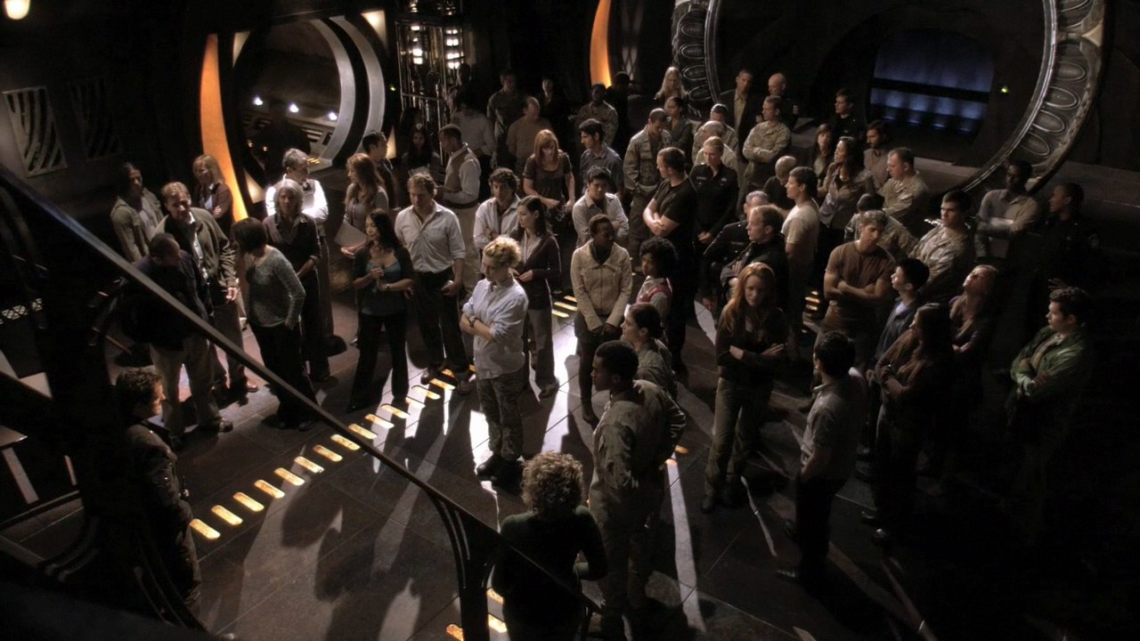 File:Expedition gathering in gate room.jpg