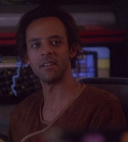 File:Julian Bashir Mirror 2375.jpg