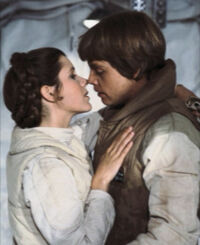 Leia luke kiss