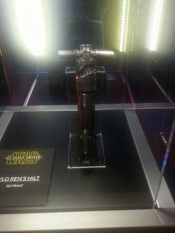 File:Kylo Ren Hilt The Force Awakens Exhibit.jpg