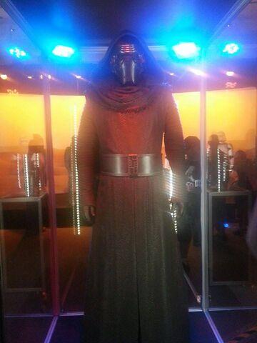 File:Kylo Ren The Force Awakens Exhibit.jpg