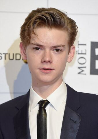 File:Thomas Brodie-Sangster.jpg
