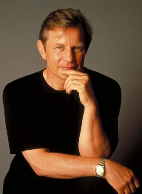 File:Michael York.jpg