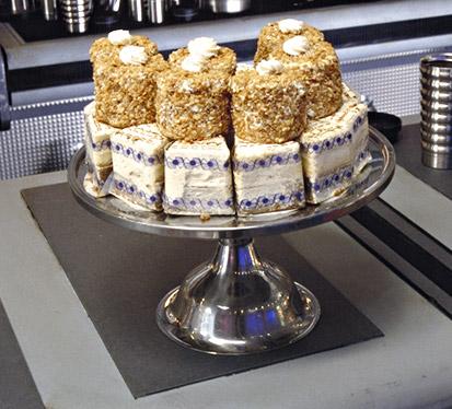 File:Dex Pastries.jpg