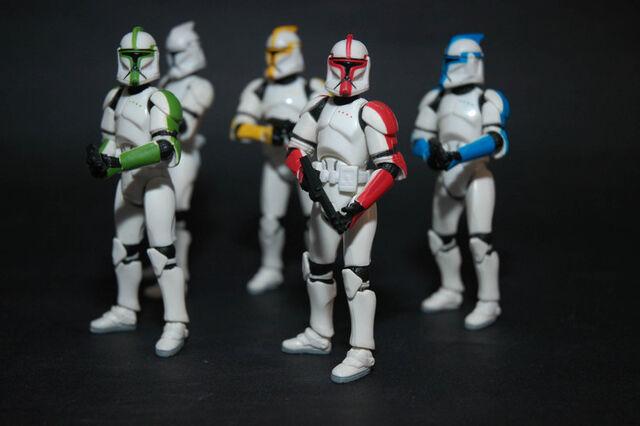 File:Clone Troops.jpg