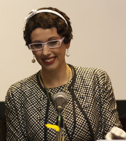 File:Gail Carriger at the Multicultural Steampunk Panel, Eastercon 2012.jpg