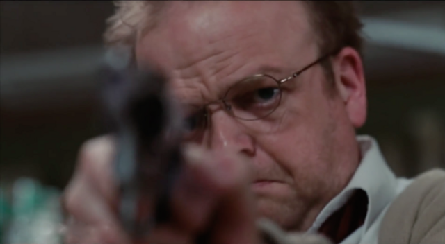 File:Ollie with gun.png