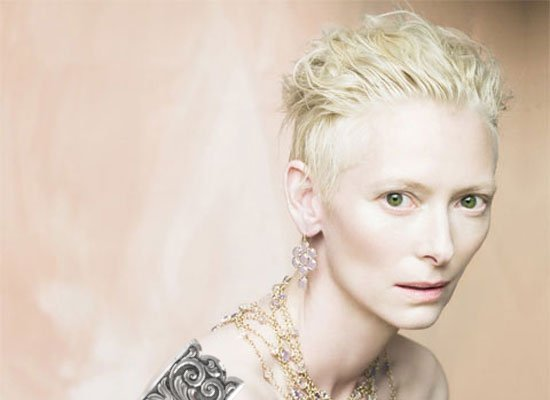 File:Tilda-swinton-blonde-silver.jpg