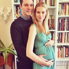 Emma Ishta announcing her pregnancy!