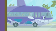 S1 E14 The Kahuna pulls up in the whale-bus