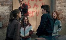 Stranger Things 1x06 – Nancy slaps Steve