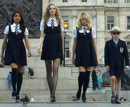 File:1sttrinians-gal-girls1.jpg