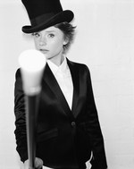 File:Bryce dallas howard in a top hat-6565 thumb.jpg