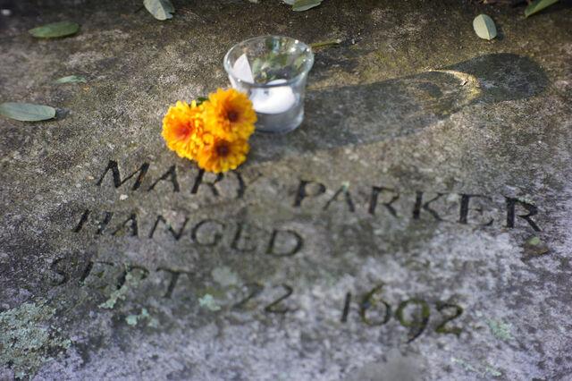 File:Mary-parker-memorial.jpg